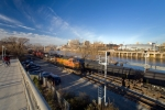 BNSF engines pull a Bakken oil train north through the Schuylkill Banks while another heads south to the refinery