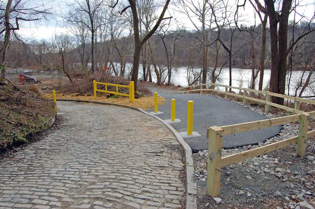 Schuylkill River Trail at Shawmont January 2 2012