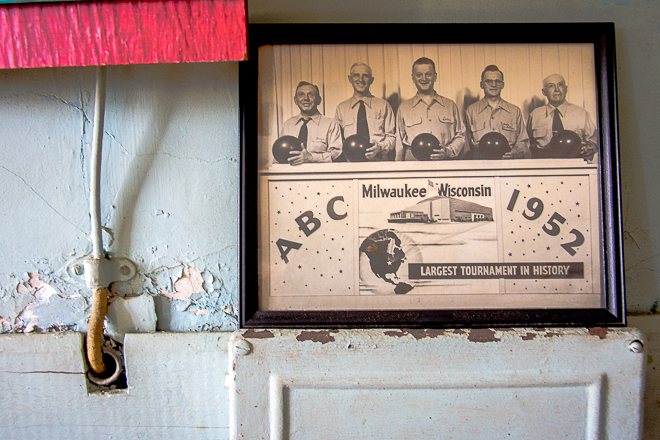 Vintage Bowling Tournament Print | Photo: Theresa Stigale