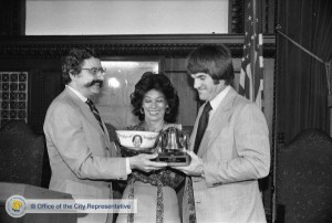 City Representative Joseph LaSala presents Pete Rose and his wife Karolyn with a Liberty Bell, 1979. Image: Office of the City Commissioner