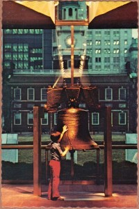 A Bicentennial era postcard depicts a child making a connection with freedom and history | Image: Art Color Card Distributors, 1976