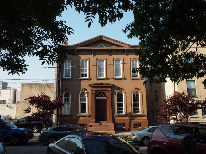 322 Bainbridge Street, the former Ahavath Chesed-Anshe Shavel synagogue, site of a Yom Kippur conflict between anarchists and religious; also the original home of Shivtei Yeshuron congregation, whose current shul is one of nine sites in the 2013 Hidden City Festival | Photo: Nathaniel Popkin