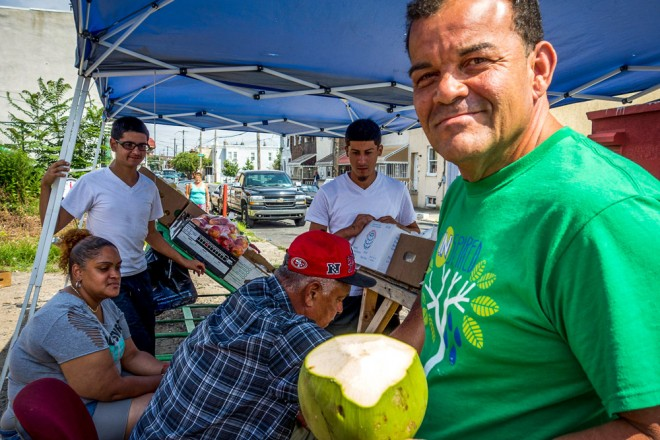 Farmers Market at 3rd & Indiana featuring fresh tropical produce | Photo: Theresa Stigale