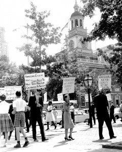 Famous gay rights demonstrations at Independence Hall, Fourth of July, 1965 | Photo via GayPioneers.com