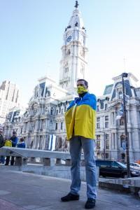 A pro-independent Ukrainian protester at the February 23 demonstration on Thomas Paine Plaza at the Municipal Services Building | Photo: Theresa Stigale