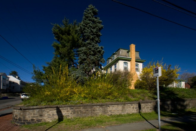 Gateway to Roxborough: the corner property at Green Lane & Manayunk in limbo | Photo: Bradley Maule