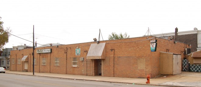 Elmwood Roller Skating Rink, 71st Street and Grays Avenue | Photo: Samuel Margulies