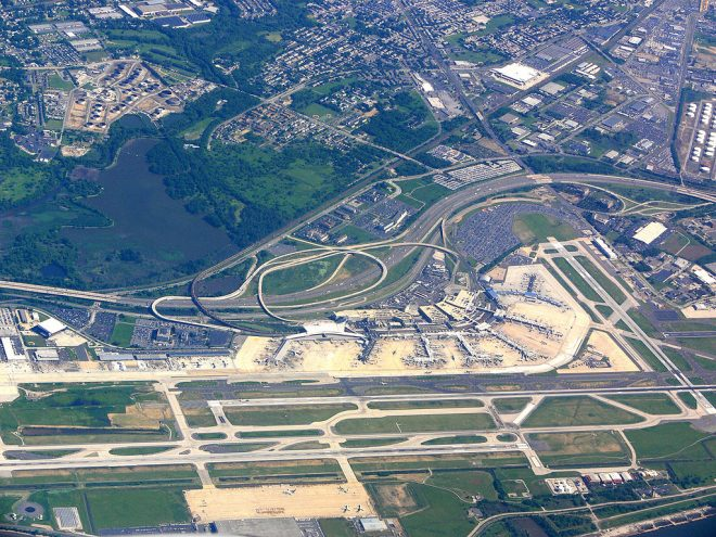 A 2007 aerial photo of the Philadelphia International Airport, with the 20.8-acres that are set to added to it in the center, bounded by I-95, Island Avenue, and Bartram Avenue | Andreas Praefcke, Wikimedia