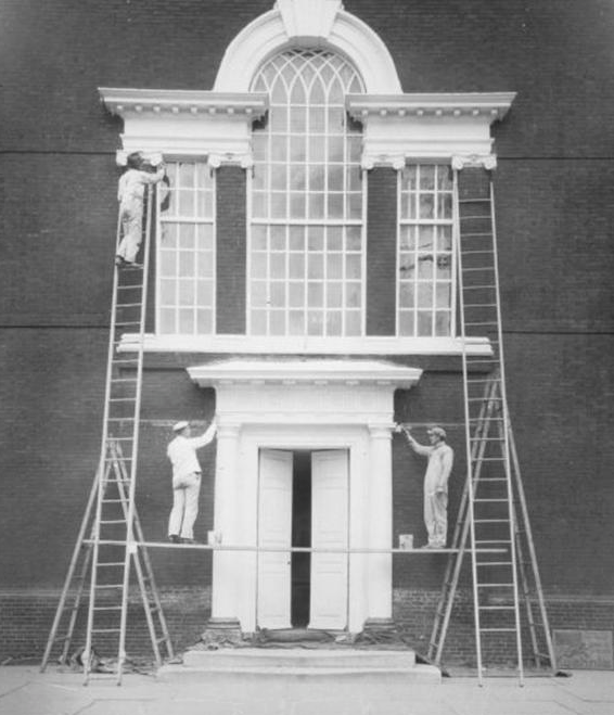 Workers repainting south entrance of Independence Hall, October, 1922 | Department of Records