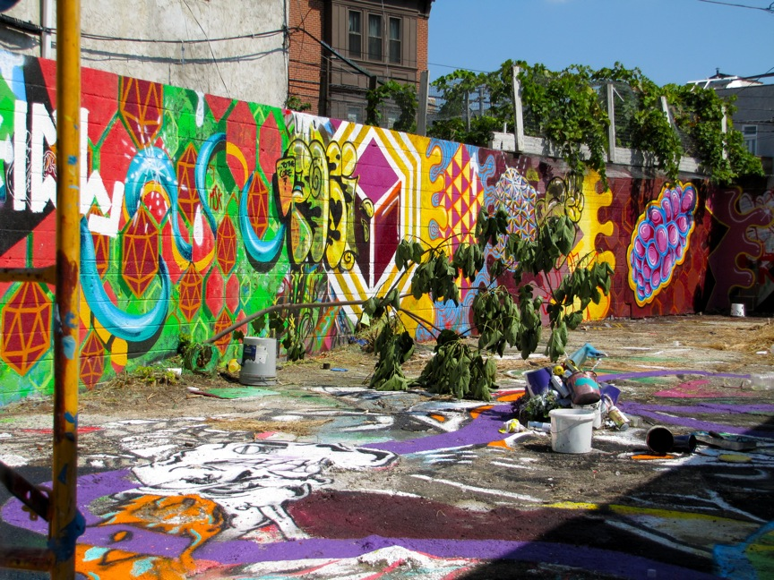 Golden defends her mural arts program hidden city for Art mural nivelles