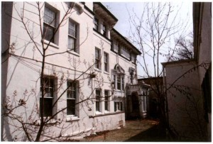 Courtyard view of Levy-Leas mansion, 400 S. 40th