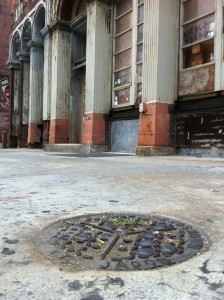 Abandoned treasures above and below on the 200 block of Chestnut | Photo: Sam Robinson