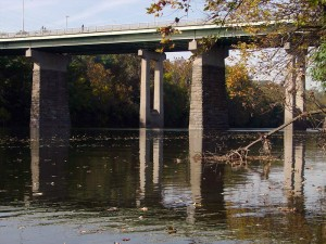City Line Avenue's bridge over the Schuylkill River, where Philadelphia's boundary turns 90º | Photo: Bradley Maule