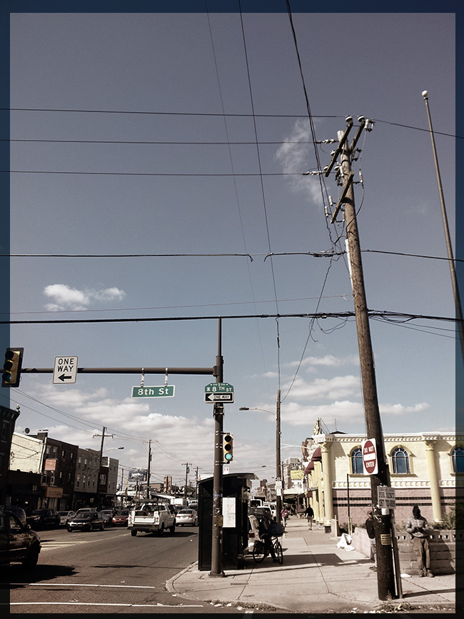 Crossing Washington Ave. where the eruv line runs north/south | Photo: Morris Levin