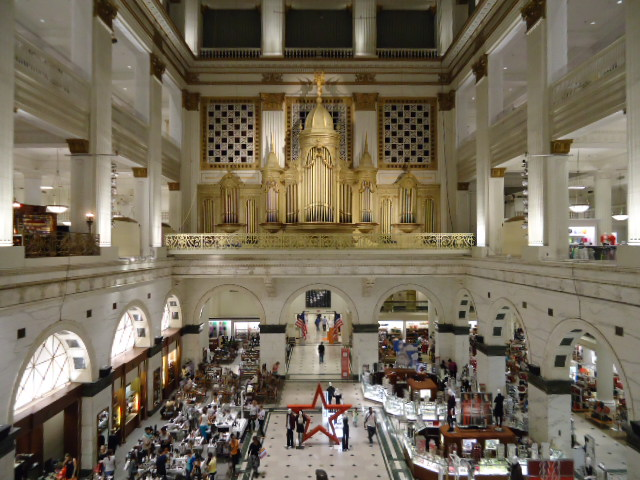 The Grand Court with its organ on glorious display | Photo: Shadowbat