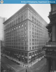 The Daniel Burnham-designed Wanamaker Building, circa 1933 | Image: PhillyHistory.org