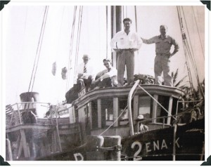 Leon Levin, front center, Michael Levin on the far left shipping bananas from Cuba to Miami | Photo courtesy M. Levin & Co.
