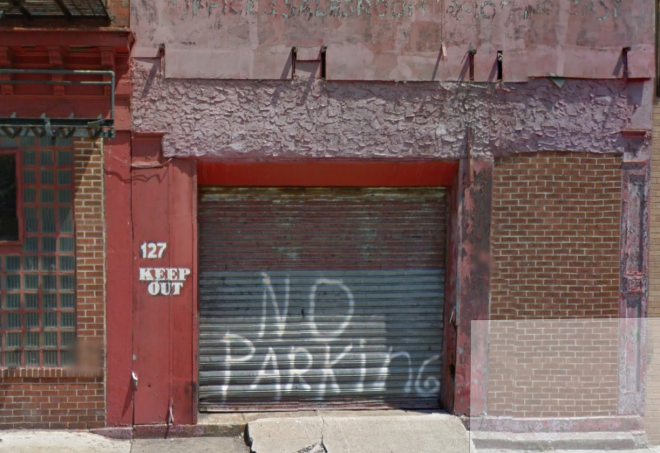 127 Arch Street pre-restoration | Screenshot of 2012 Google Street View image capture,