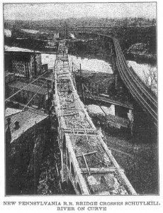 Manayunk Bridge under construction next to the previous S-bridge, demolished after the Manayunk Bridge's completion in 1918 | Photo: Engineering News-Record, May 24, 1917