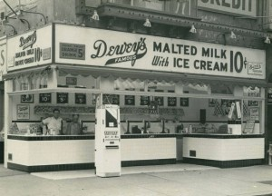 Dewey's at 8th and Market, 1941