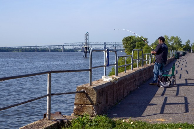 Looking south at the Tacony fishing and boat launch toward the Betsy Ross and Delair Bridges | Photo: Bradley Maule