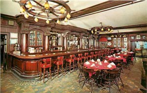A old postcard of the interior of Old Original Bookbinder's at 121–135 Walnut Street