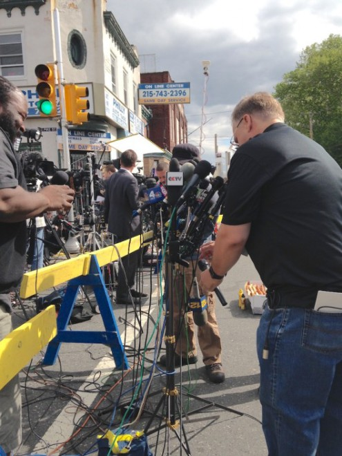 Media lines Frankford Avenue. | Photo: Liz Spikol