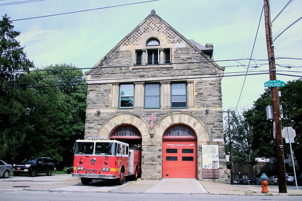 A new fire hall will eventually be built in order to preserve the John T. Windrim-designed Engine 37 in Chestnut Hill. | Photo: Jana Shea, for NewsWorks