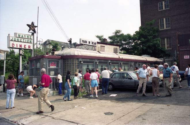 One of the most tragic losses to the roster of Philadelphia diners came with the demolition of the long-suffering Wayne Junction Diner. Seen here in 1993 during a bus tour of the region's diners sponsored by the Society of Commercial Archeology, the 1940 Paramount attracted a great deal of interest, but ultimately no takers. | Photo: Randy Garbin