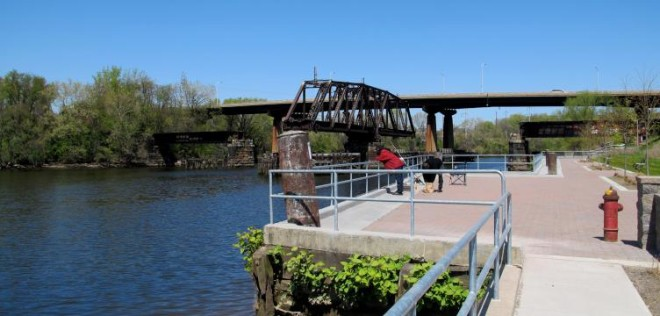 A northwest view of the old Schuylkill River Swing Bridge at Grays Ferry | Photo: Plan Philly