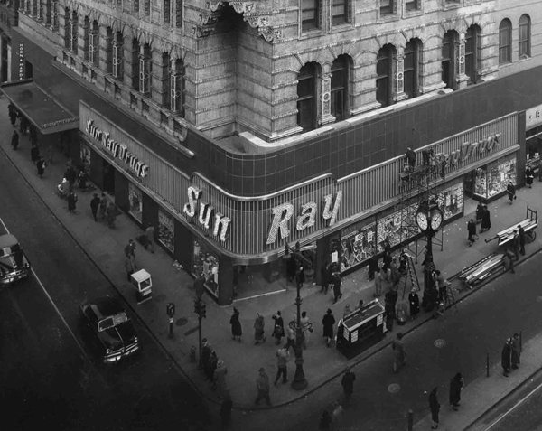 Northeast Corner of 12th and Market Streets, September 21, 1949 | Courtesy of the Library Company of Philadelphia