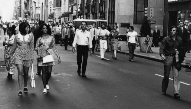 Walk on Walnut, 1971 | Credit: Joshua Berstein, Special Collections Research Center, Temple University Libraries, Philadelphia, PA. Walk on Walnut, 1971 | Credit: Don Camp, Special Collections Research Center, Temple University Libraries, Philadelphia, PA.