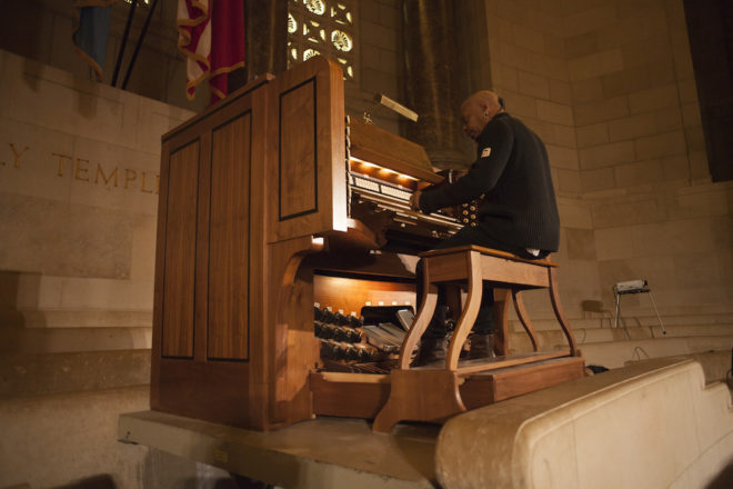 Paul Eaton demonstrates the organ | Photo: Dan Papa