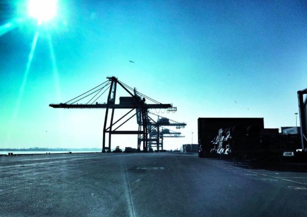 A gantry crane at the Port of Philadelphia | Photo: Natalie Kostelni, for the Philadelphia Business Journal