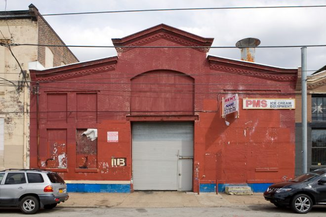 Left half: 1111–13 Frankford Avenue | Photo: Bradley Maule