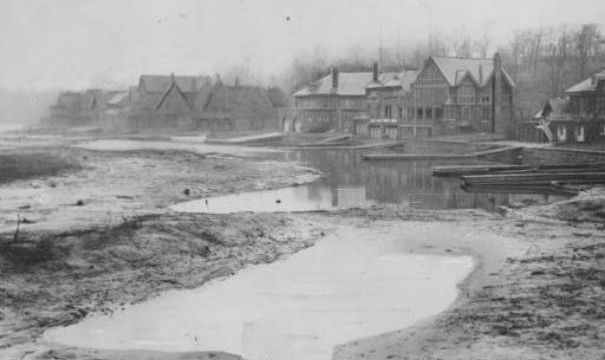 The once and future Schuylkill River, at Boathouse Row, in 1934, as Great Depression austerity measures necessitated the cancellation of its regular dredging. | Photo: Temple Archives, George McDowell, for Bulletin Photographs