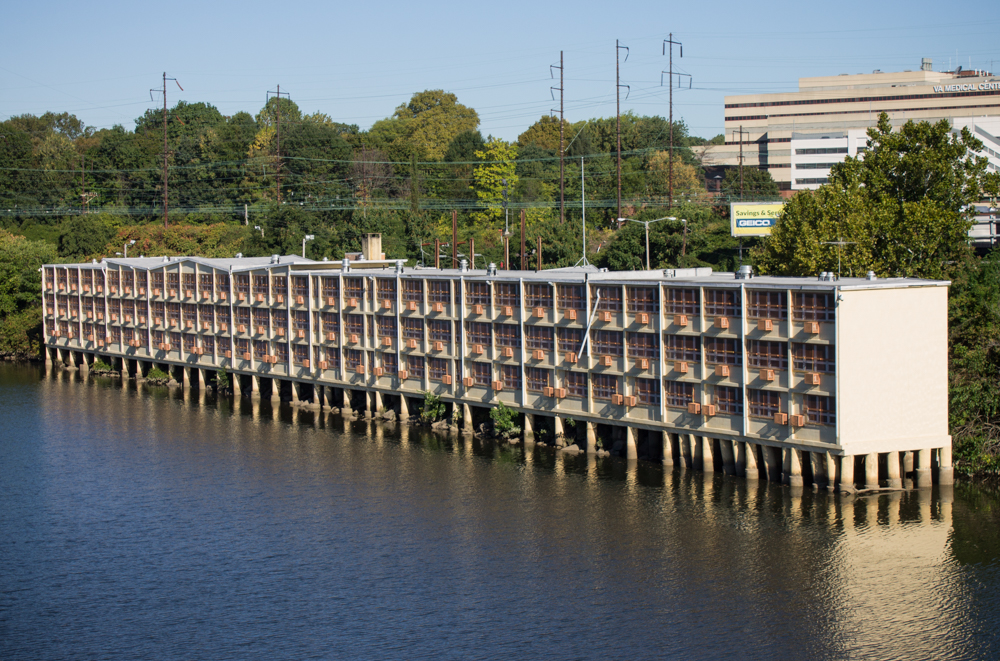 Mid Mod Prison-Motel On The Schuylkill River Paroled
